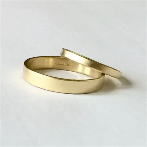 wedding band set two plain gold rings his and hers 9