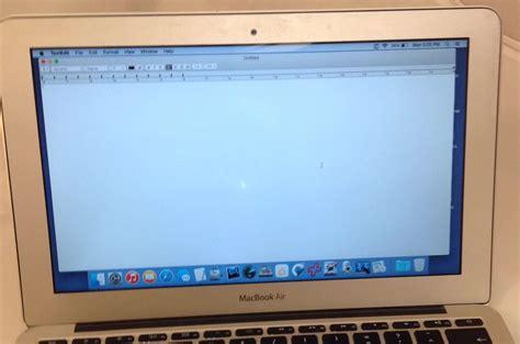 Lcd Macbook Air 11 Inch 11 inch macbook air lcd replacement with residual blemish mac screen repair