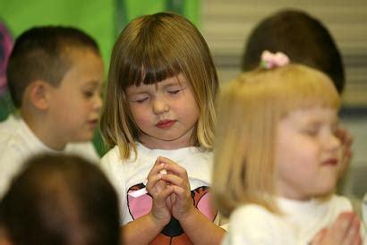 imagenes niños orando jesus como son los ni 241 os de 3 a 5 a 241 os