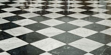 pavimento scacchi mantieni il tuo marmo lucido con i prodotti hai in