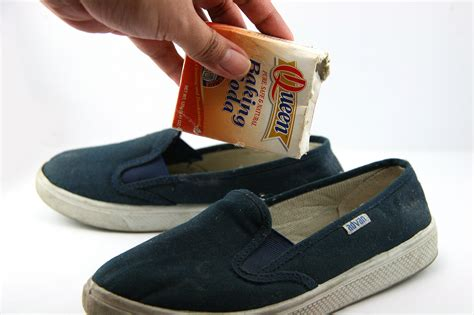 smelly sandals 4 ways to remove odor from your shoes with baking soda