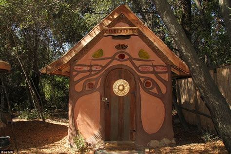 Rent A Treehouse Uk - gingerbread house and house of mirrors among most bizarre rental properties daily mail online
