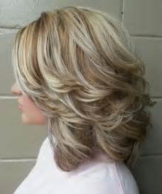 hair cuts and earring tips best 25 medium length layered hairstyles ideas only on