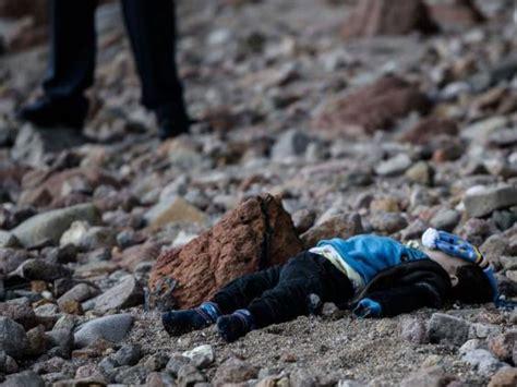 refugee boat dead refugee crisis toddlers and children wash up dead on