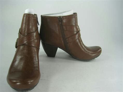 bare traps tommie brown boots m retails for 69 ebay