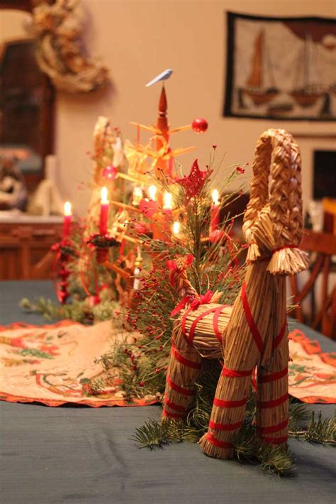 Dining Room Table Centerpiece Images by A Swedish Christmas