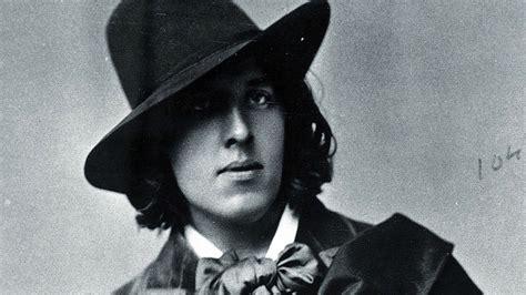 Oscar Wilde Bizzarro Wall International Magazine
