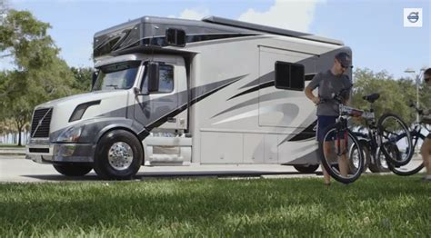 custom volvo trucks bangshift custom volvo vnl truck