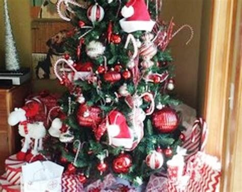 25 Dekorasi Natal Hiasan Ornamen Pohon Natal Hiasan Pohon Natal foto contoh desain dan dekorasi pohon natal 62 si momot