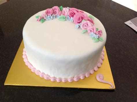 Simple And Easy Cake Decorating Ideas by Simple Cake Decorating Ideas The Home Design Simple Cake