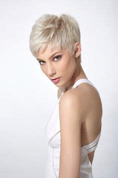 women haircuts for thinning crown short hairstyles very short hairstyles for thin hair