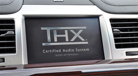 Review: 2009 Lincoln MKS with Microsoft SYNC ... Range Rover Car Logo
