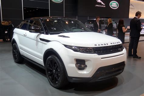 land rover evoque black and white evoque black design pack auto express