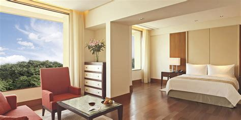 find hotels with in room luxury guide find oberoi hotel in mumbai