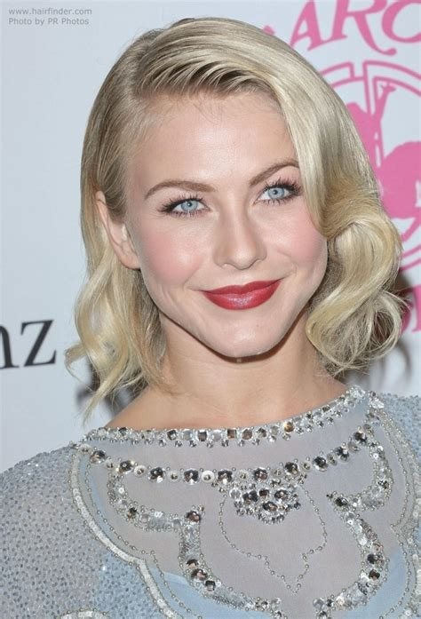 what type of hair does julianne hough have what kind of hairstyle does julianne hough have in safe