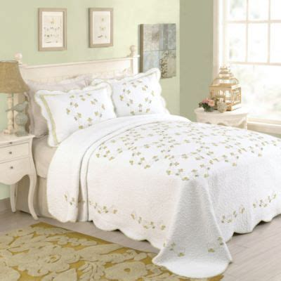 bedspreads at bed bath and beyond buy queen bedspreads from bed bath beyond