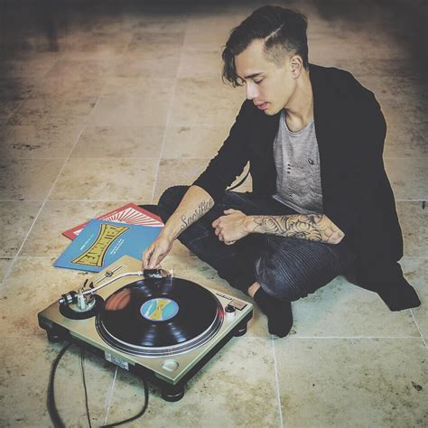 Sends A Message To Fans by Headhunterz Sends A Message To All His Hardstyle Fans On