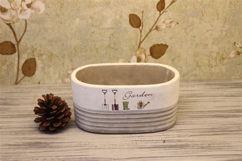2015 new design shape terracotta planters pots