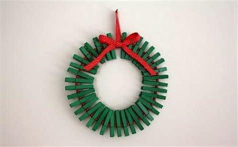 como decorar botellas de vidrio navideñas paso a paso bolas de navidad con material reciclado bola para el rbol