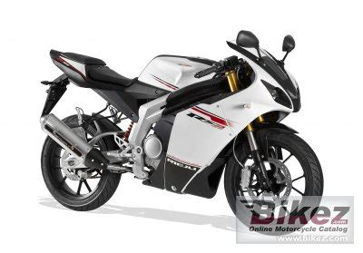 125ccm Motorrad Top Speed by 2011 Rieju Rs3 125 Specifications And Pictures