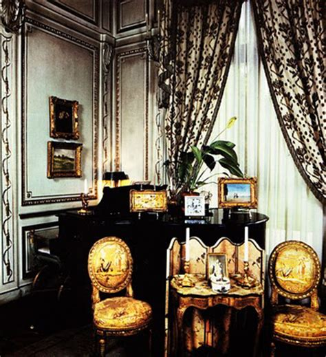 black  white traditional living rooms digsdigs