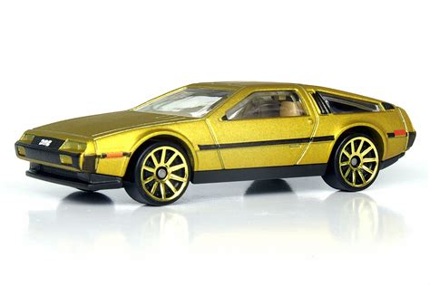a new theme delorean dark stripped released for ubuntu 81 delorean dmc 12 hot wheels wiki