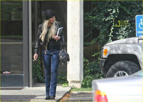 Lohan Out Of Rehab by Lindsay Lohan Checks Outta Rehab Photo 642991 Dina
