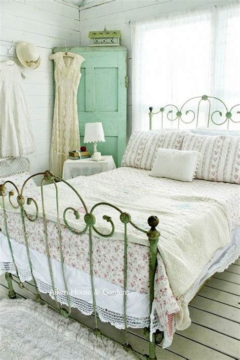 vintage rose bedroom use our ultimate small vintage rose bedroom ideas free amazing wallpaper collection