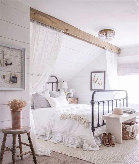 slanted ceiling bedroom best 20 slanted ceiling ideas on slanted