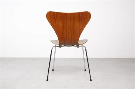 Arne Jacobsen Dining Chairs Arne Jacobsen 3107 Series 7 Dining Chairs 2menvision Nl