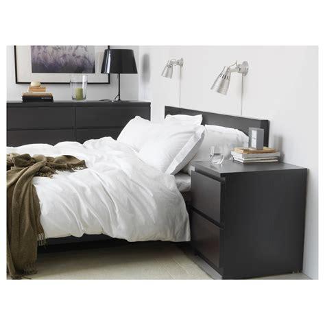 nachtkästchen braun grau wohnzimmet