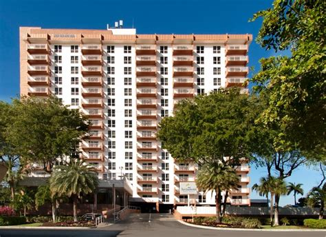 2 Bedroom Resorts In Orlando Fl by Fort Lauderdale Beach Resort By Vri Resorts Vacation