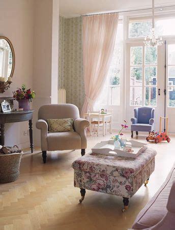 stilvoll wohnen wohnverlag romantisch wohnen kreativ mit blumen