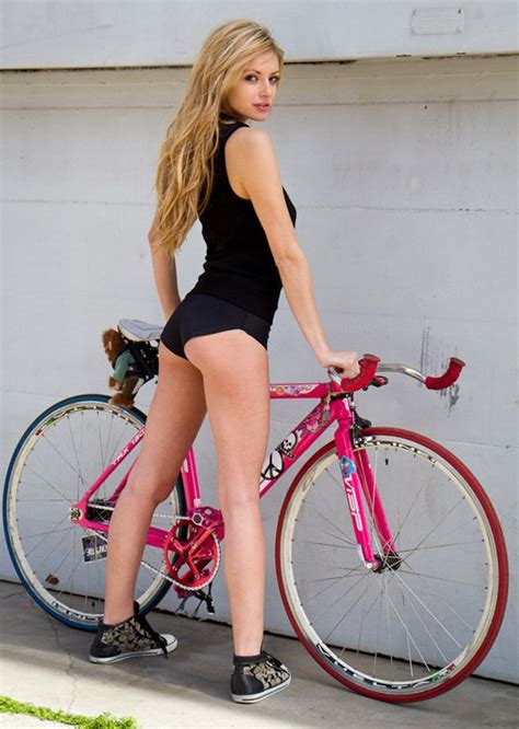 Hot Girls On Fixie Bikes   225 photos of sexy girls riding bicycles sexy fixie and