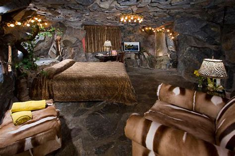 caveman room the kitschiest hotel in the world