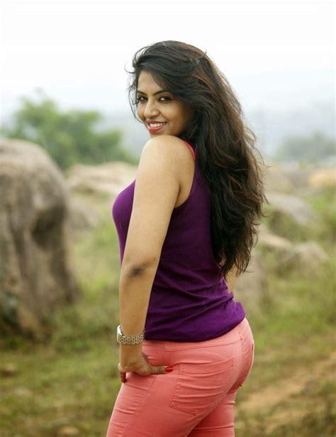 actress divya gopinath sasha gopinath wiki biography age movies images news