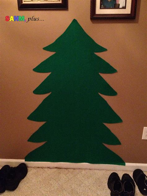 how to make a toddler felt christmas tree for endless fun