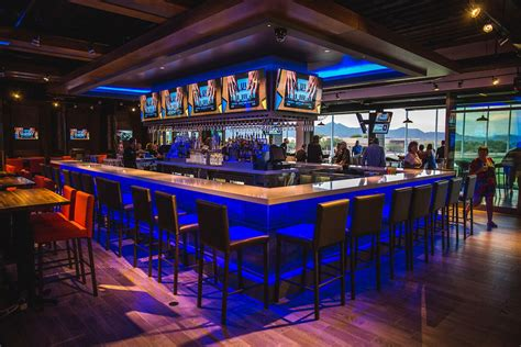 top golf bar calling all superstars topgolf now hiring at second