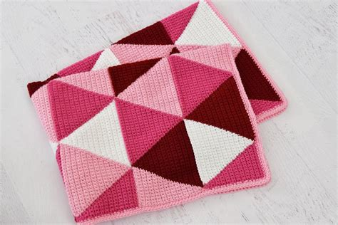 triangle pattern in php ombre triangle blanket crochet pattern by yarn blossom