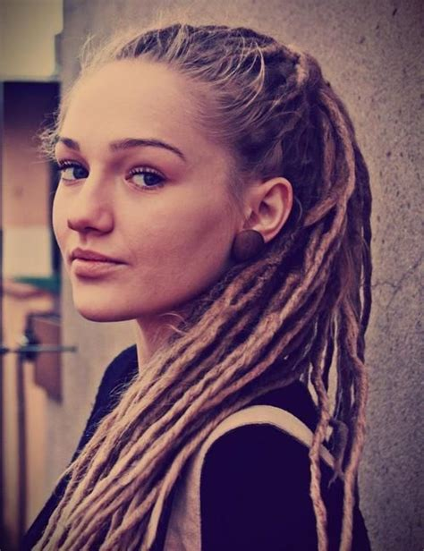 small dreads on women female muay thai fighter with dreads google search d r