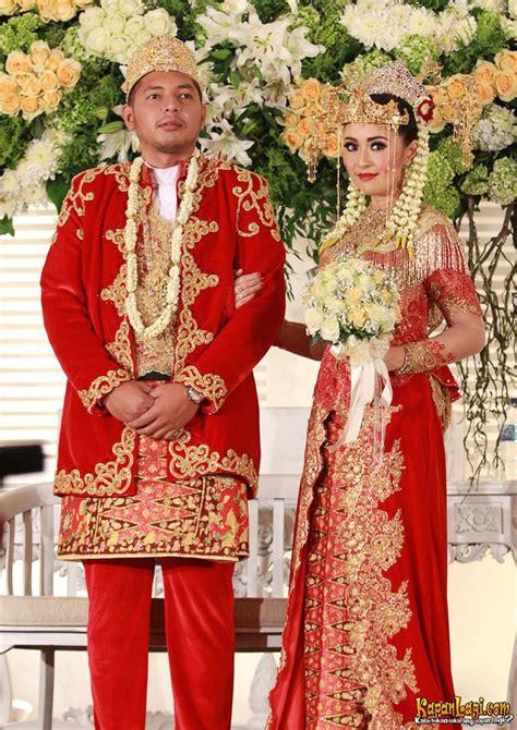 Baju Nikah Adat Betawi serunya aksi chua kotak pakai baju pengantin tapi tetap ngebass kapanlagi