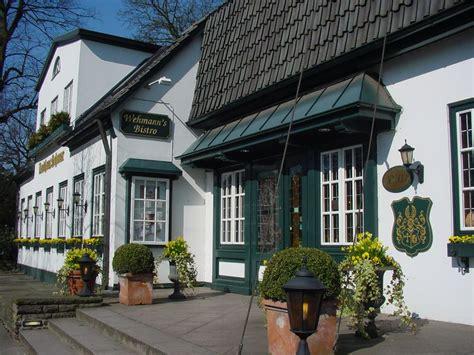 Landhaus Eingang by Restaurant In Hamburg