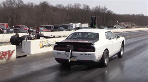 what is the fastest challenger world s fastest challenger hellcat sets new 1 4 mile