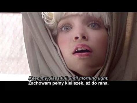 Sia Chandelier Tekst Sia Chandelier żyrandol Tłumaczenie Polskie Napisy Tekst Lyrics