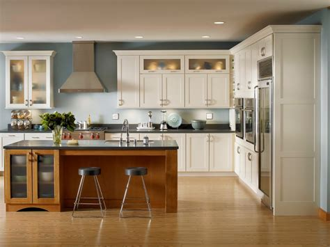 Furniture Make A Wonderful Kitchen By Using Kraftmaid Kraftmaid Kitchen Cabinet Reviews