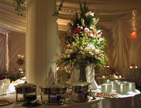 Wedding Buffet Ideas: Using flowers for buffet table