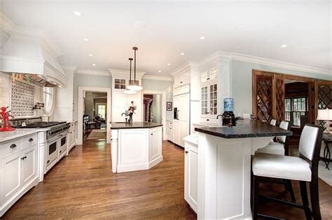Dining cabinets kitchen island bar stools pictures ideas tips from 45 luxurious kitchens