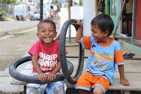 imagenes niños reales jugando 35 fotos m 225 gicas de ni 241 os jugando alrededor del mundo