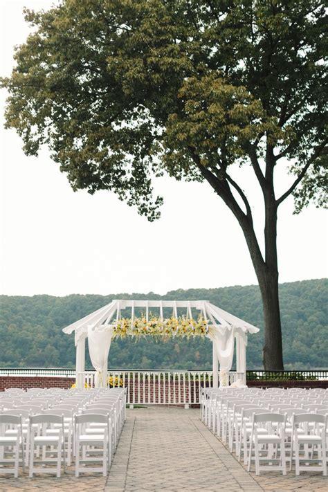 Poughkeepsie Wedding: Graceful Yellow Decor at The