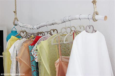kleiderstange ast schleifenf 228 nger atelier f 252 r individuelle brautmode in